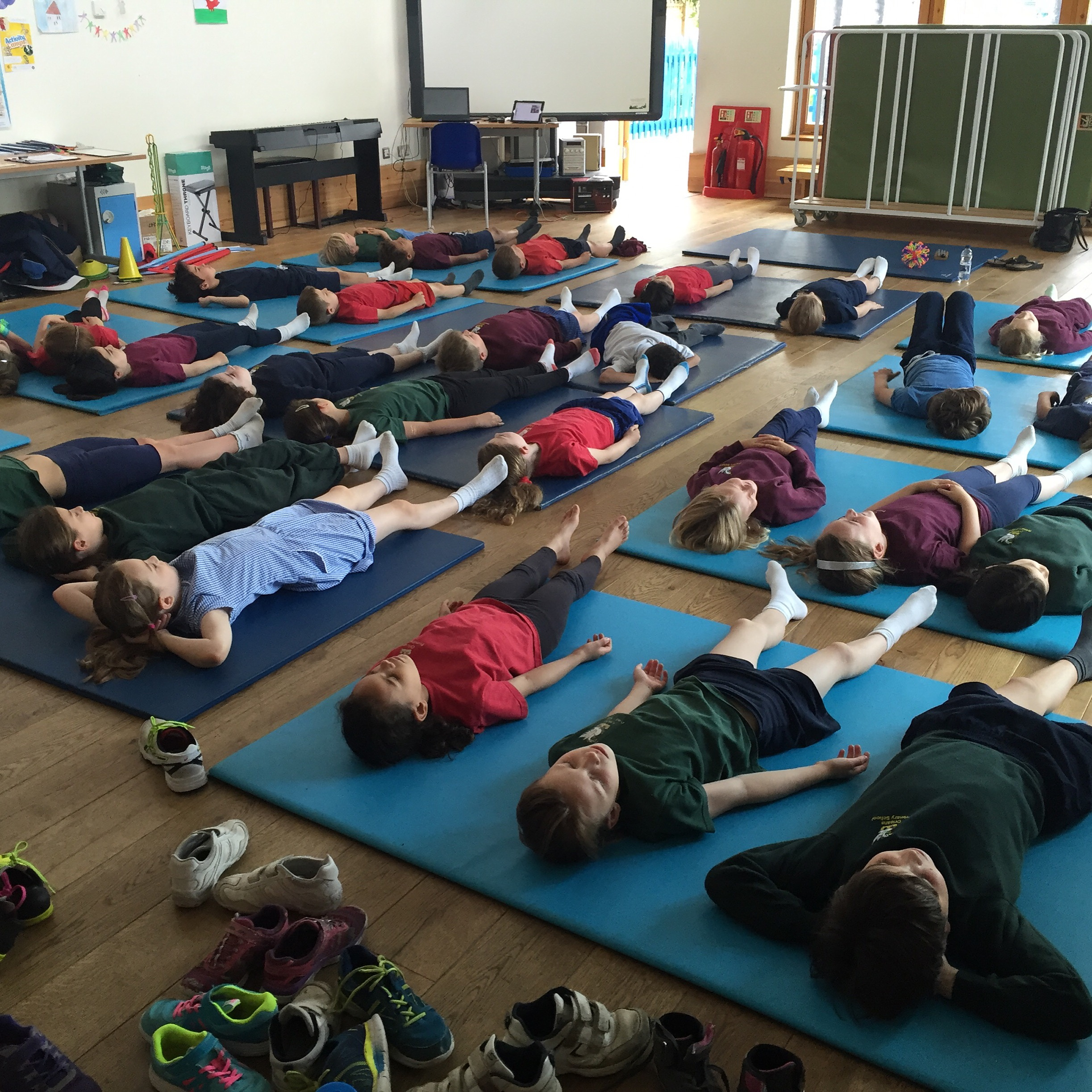 YogaBeez Healthy Living Week yoga and mindfulness workshops for children in school