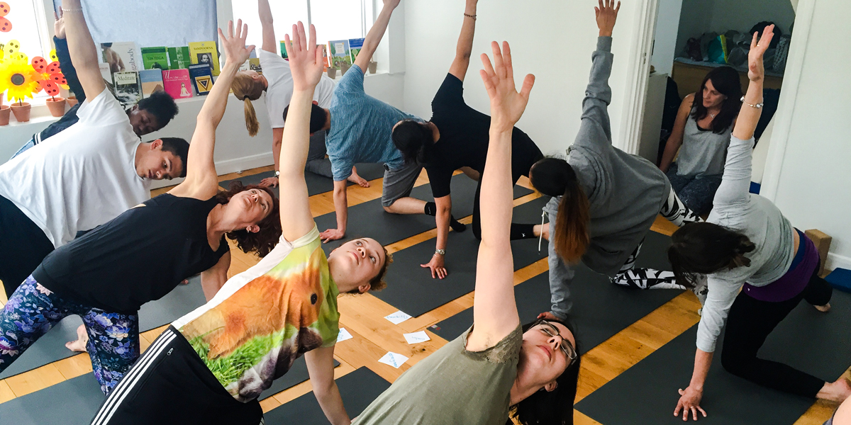 YogaBeez teens and young people yoga course